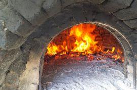 Παραδοσιακη κουζινα και τοπικος οινος